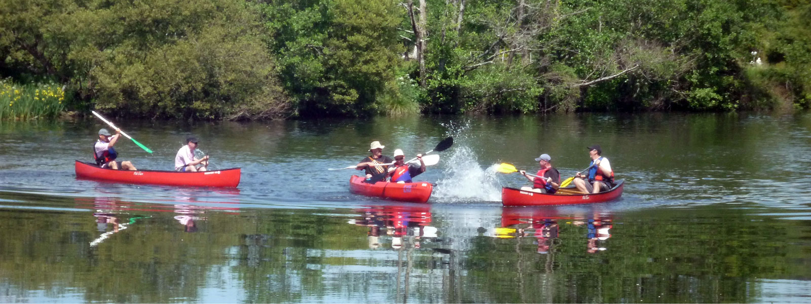 https://www.selectcottages.com/sites/default/files/revslider/image/kayaks-on-river-blavet.jpg