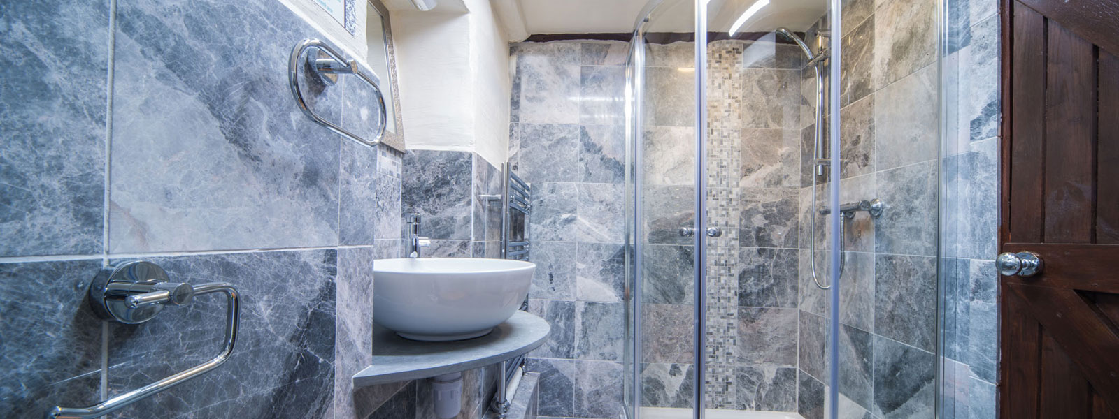 https://www.selectcottages.com/sites/default/files/stanley-ghyll-shower_0.jpg